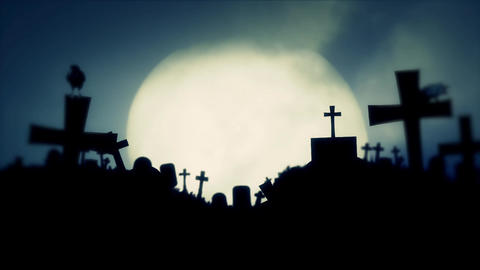 Full Moon Rising on a an Old Graveyard with Black Ravens Filmmaterial