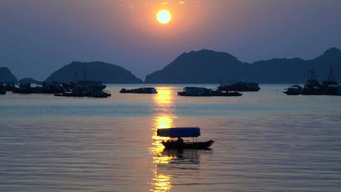 Beautiful views of Ha Long Bay ビデオ