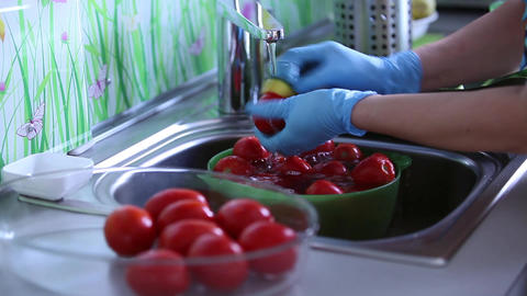 wash tomatoes Stock Video Footage