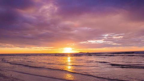 Sunrise on the beach ビデオ