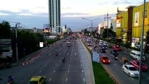 Bangkok traffic flow in evening time on Srinakarin road Footage