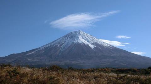 富士山と雲のタイムラプス ビデオ
