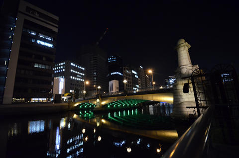 Night view of the business district of Osaka フォト