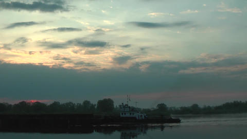 Floating Long Cargo Barge ビデオ