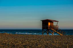 Baywatch tower on the beach フォト