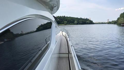 walk on a yacht 画像