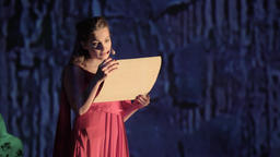 A woman actress plays a role on the stage of the theater (opera) ビデオ