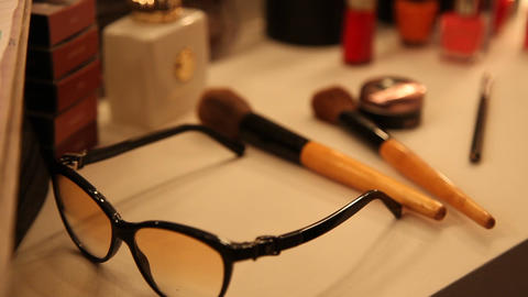 Makeup kit in room 画像