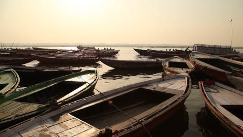 Boats in the River at Varanasi ビデオ