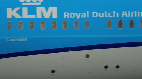 KLM Boeing 787 Dreamliner before departure Footage