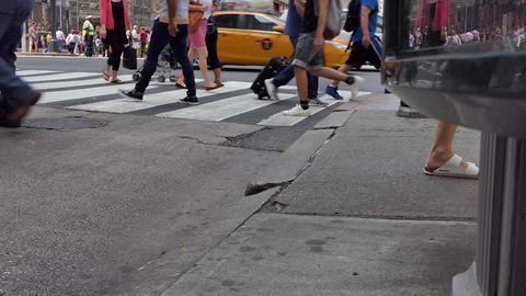 New York Midtown Crowd Live Action