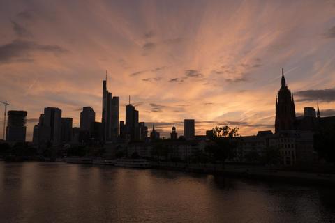 Sunset skyline cityscape in metropolis city Frankfurt Fotografía