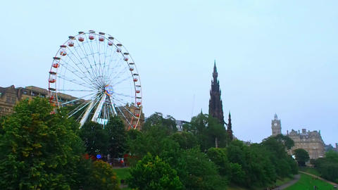 Ferris Wheel and the Scott Monument Archivo