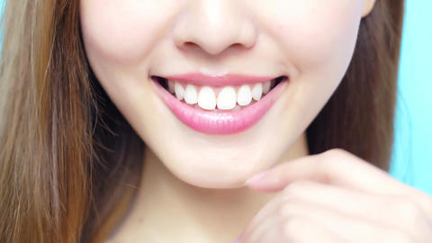 beauty woman smile happily Live Action