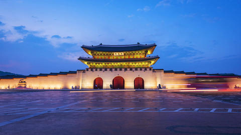 Time lapse of tourists swarming through Gyeongbokgung Palace in Seoul City,South Footage
