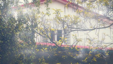 Misty Attic House Fotografía