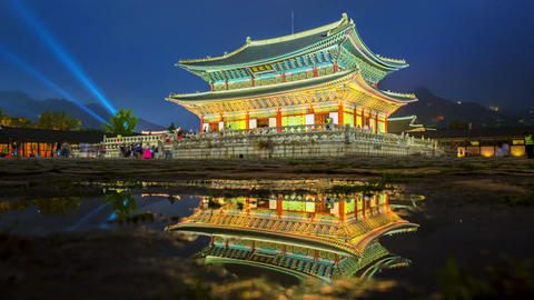 Time lapse of tourists swarming through Gyeongbokgung Palace in Seoul City,South Live Action