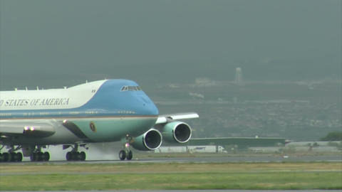Air force one gathers speed for take off Live Action