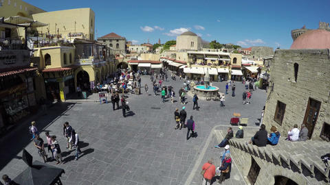 People tourists walk in Rhodes old town square. Timelapse 4K, Rhodes island, Archivo