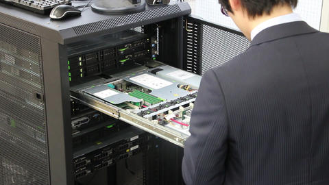 Exchange of hardware parts of server computer Archivo