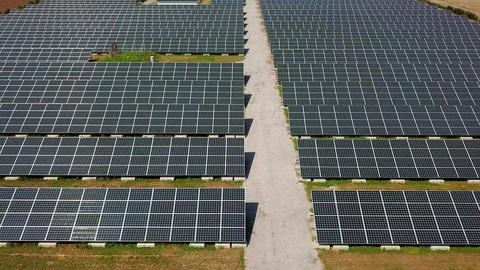 tracking shot of photovoltaic power generation system Filmmaterial