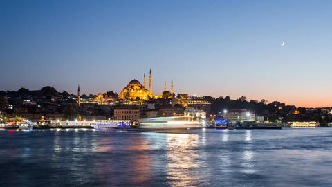 Zoom out Timelapse view of Istanbul cityscape with Suleymaniye mosque with Footage
