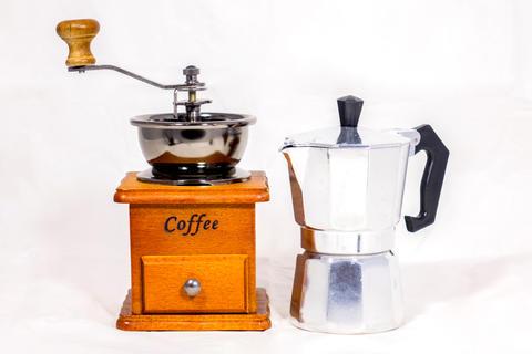 Coffee grinder and boiler Foto