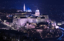 Night view of Buda castle in Budapest, Hungary Fotografía