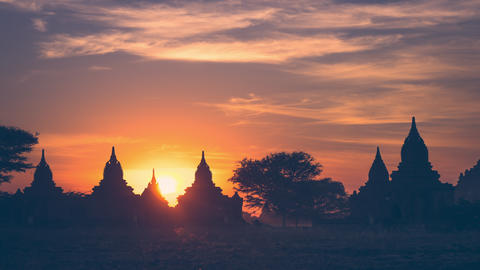 Time lapse of amazing sunset colors over ancient Buddhist Temple. Bagan, Myanmar Footage