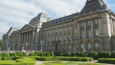 royal palace of brussels, belgium, timelapse, zoom in, 4k Footage