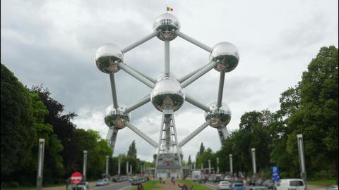 atomium, landmark of brussels, belgium, timelapse, 4k Footage
