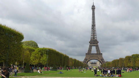 PARIS, FRANCE - OCTOBER 8, 2017. Time lapse of crowded Champ de Mars near the Footage