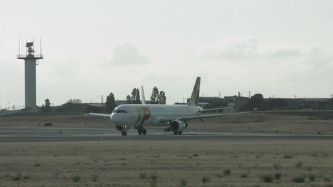 Lisbon Airport 4k - TAP Live Action