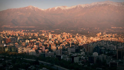 Santiago de Chile City and The Cordillera de los Andes Filmmaterial
