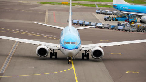 KLM Royal Dutch Airlines Boeing 737 taxiing Live Action