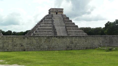 Chichen Itza Mexico Yucatan 12 Kukulcan Pyramid handheld Footage