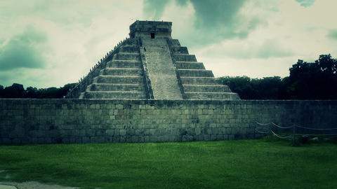 Chichen Itza Mexico Yucatan Kukulcan Pyramid handheld 40... Stock Video Footage