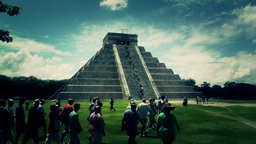 Chichen Itza Mexico Yucatan Kukulcan Pyramid handheld 52... Stock Video Footage