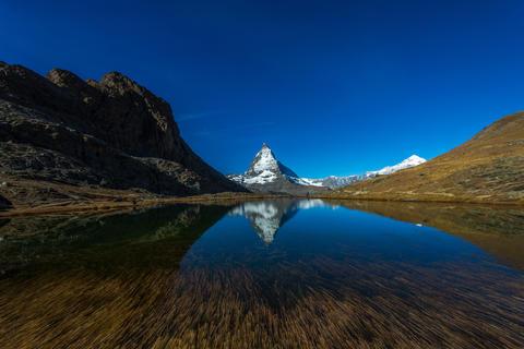 Matthorn and switzerland fall Fotografía
