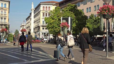 PADUA, ITALY - OCTOBER, 2017: People in the city center of Padua. Padua, Padova Live Action