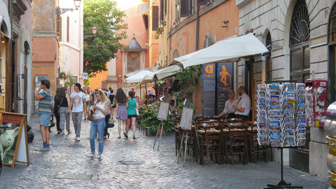 ROME - ITALY, AUGUST 2015: people travel enjoy on streets Live Action