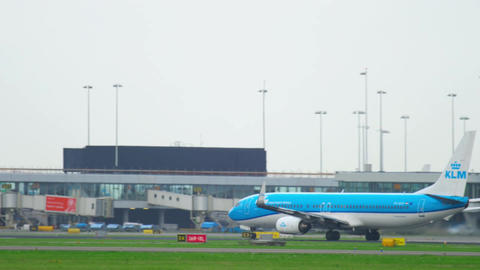 KLM Boeing 737 accelerate and take-off Footage