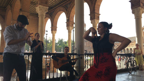 Group of flamenco dancers Archivo