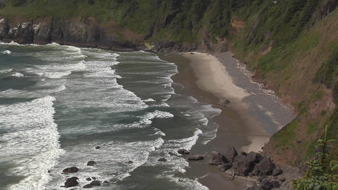 Waves on the Pacific Coast of Oregon Live Action