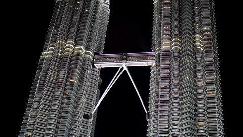 petronas twin tower, kuala lumpur Stock Video Footage