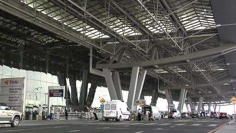 Departure Level of the New Suvarnabhumi International Airport Live Action