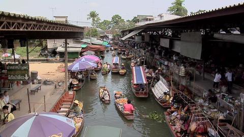 The Floating Market in Damnoen Saduak Live Action
