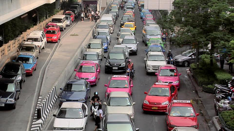 Afternoon Traffic on Rama 1 Road, Bangkok Live Action