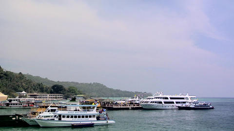 Ferries at the Ferry Terminal at Ao Loh Da Lam Live Action