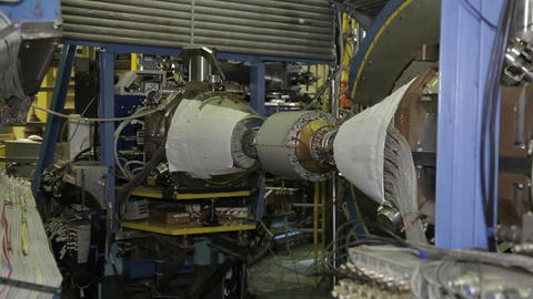 Collider electron positron 3 Live Action